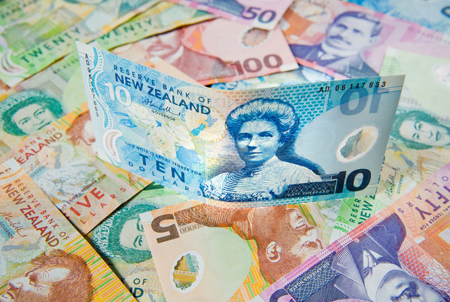where to use New Zealand cash to make an online deposit